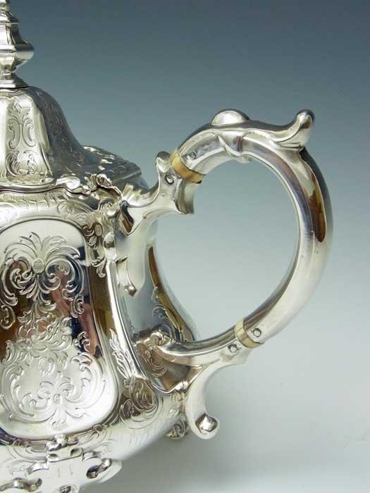 Silver tea pot (AO95-4)